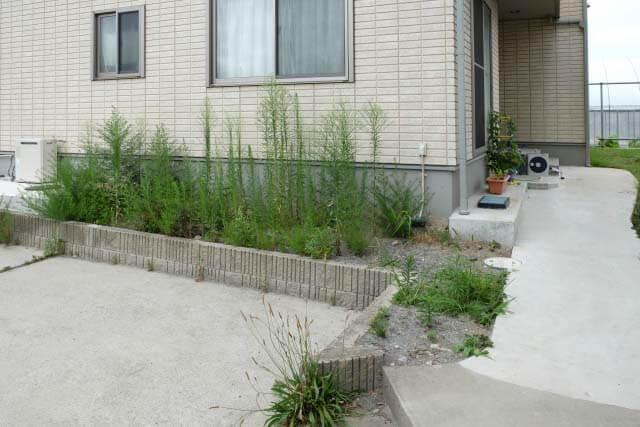 砂利の庭の雑草対策、防草シートだけでは不十分!他にやるべきことは